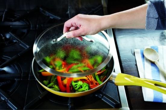 Nấu các loại rau cho mềm.