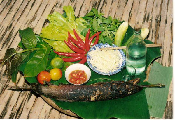 Đặc sản cá lóc nướng trui