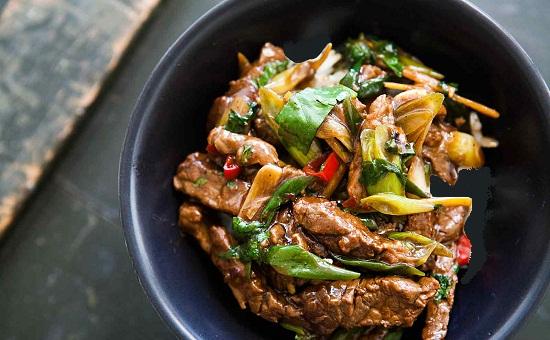 Món thịt bò áp chảo ngon và lạ miệng.
