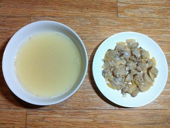 Để riêng thịt ngao và nước luộc ngao