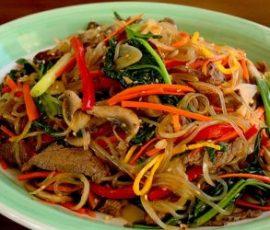 Miến xào thịt bò rau củ chuẩn bị Hàn Quốc ngay tại nhà