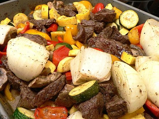 Nướng thịt bò và rau củ