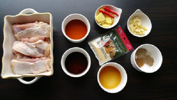 Nguyên liệu cho món thịt gà kho nước dừa