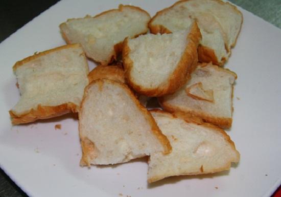 Bánh mì thái lát mỏng