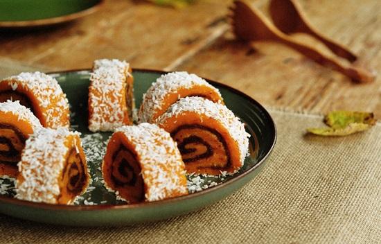 Bánh bí ngô cuộn đậu đỏ ngon khó cưỡng
