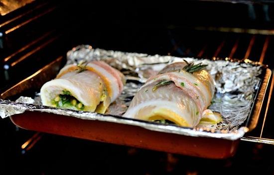 Nướng cá phi lê cuộn rau củ