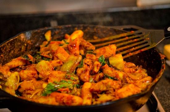 Gà xào bắp cải kiểu Hàn ngon chuẩn vị
