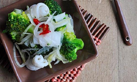 Mực trộn bông cải xanh thơm ngon bổ dưỡng