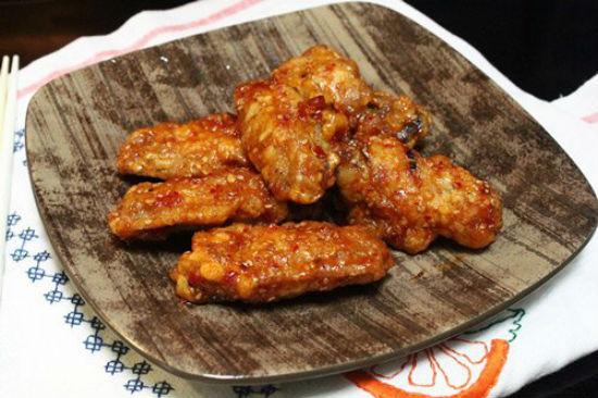 Cánh gà chiên vừng kiểu Hàn Quốc ngon và hấp dẫn