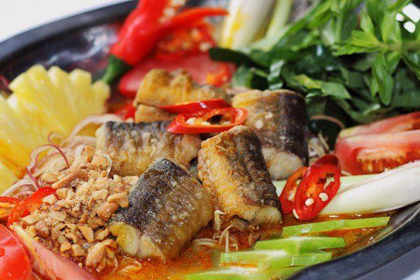 Món lươn om nước dừa béo ngậy thơm ngon