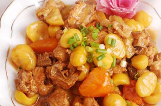 Gà hấp khoai tây