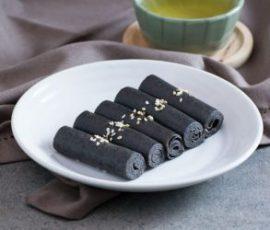 Bánh mè đen cuộn thơm béo dẻo ngọt ngon như ngoài hàng