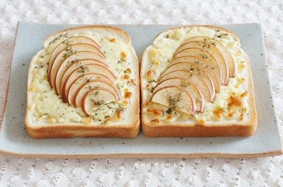 Bánh mỳ sandwich táo thơm lừng