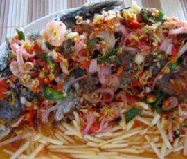 Cá chiên sốt kiểu Thái - món ngon hấp dẫn đưa cơm