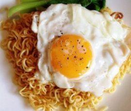 Mì xào trứng ngon mà đơn giản tại nhà
