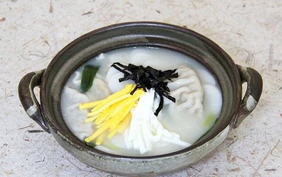Súp bánh gạo Hàn Quốc
