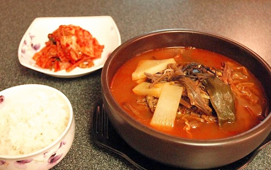 Súp cay thịt bò và rau kiểu Hàn