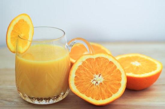Cam và nước cam
