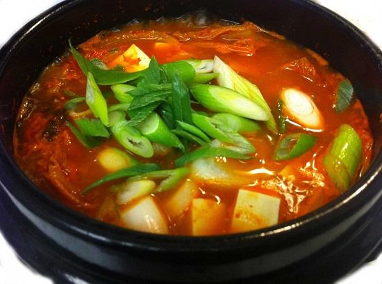 Canh kim chi thịt heo kiểu Hàn