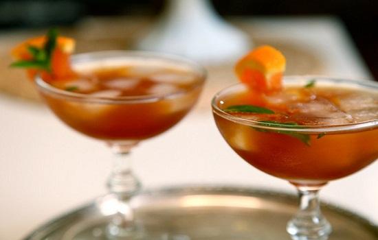 Cocktail trà đen với rượu whisky hấp dẫn