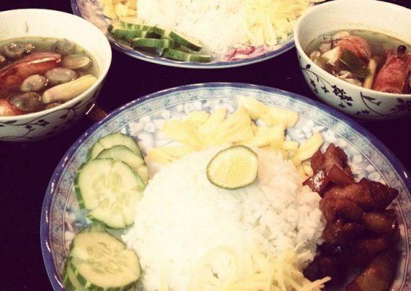Cơm trộn kiểu Thái