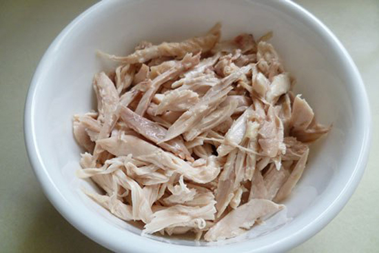 Thịt gà xé nhỏ
