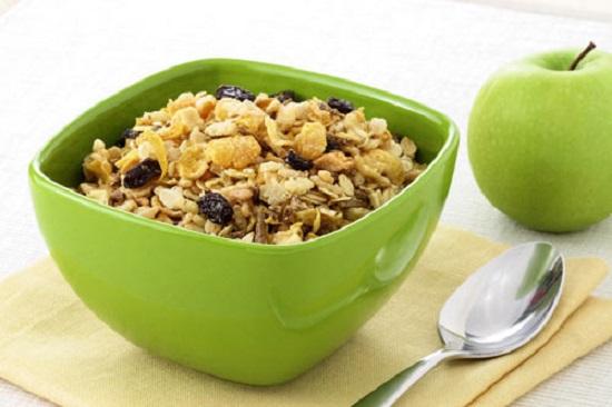 Ngũ cốc trái cây dinh dưỡng cho bé