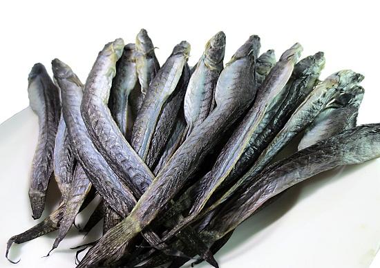 Nước vo gạo khử mặn cá khô