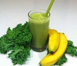 Sinh tố bơ chuối và cải xoăn cung cấp vitamin cho cơ thể
