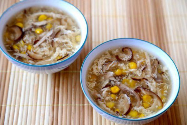 Súp gà nấm hương thơm lừng bổ dưỡng