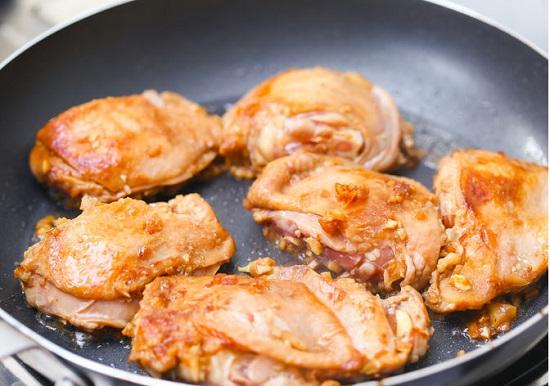 Chiên thịt gà
