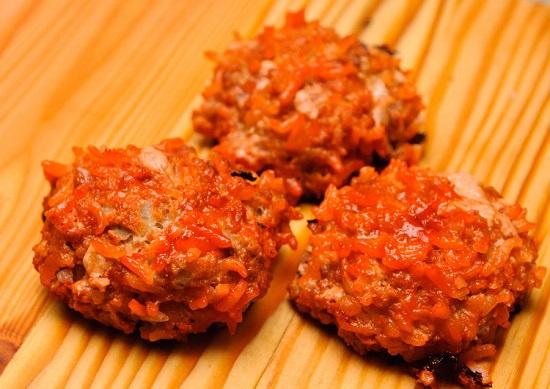 Thịt viên bò nướng sốt cà chua