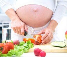 Thực phẩm bà bầu nên tránh khi mang thai