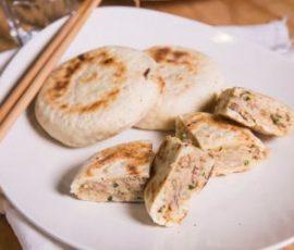 Bánh bao nhân củ cải trắng chiên mới lạ và độc đáo