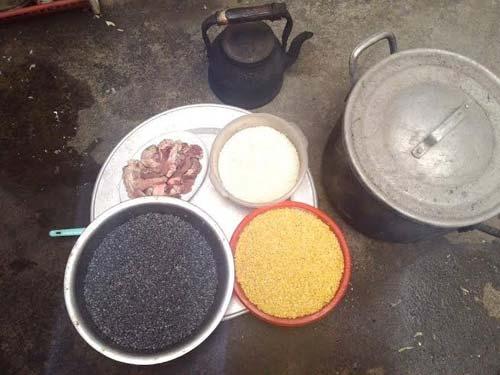 Nguyên liệu làm món bánhchưng đen