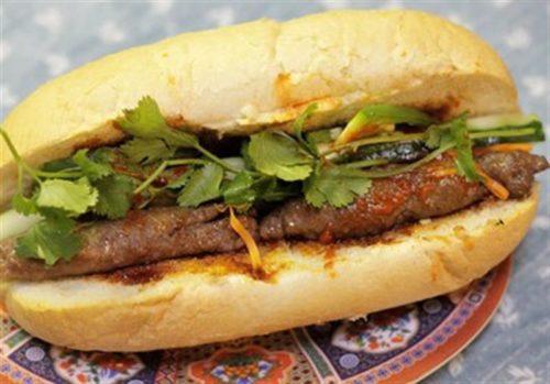 Bánh mỳ kẹp thịt bò nướng