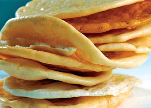 Thưởng thức món bánh phồng