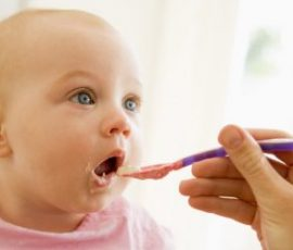 Bé 9 tháng tuổi ăn được trái cây gì?