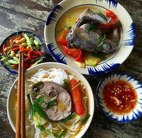 Món bún cá ngừ chuẩn vị ăn là nghiền