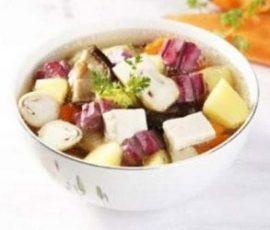 Canh khoai nấu nấm ngon lạ miệng mà dễ ăn