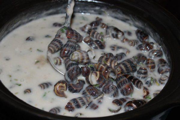 Cách làm ốc xào nước cốt dừa