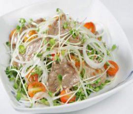 Salad rau mầm trộn thịt bò ngon đậm đà