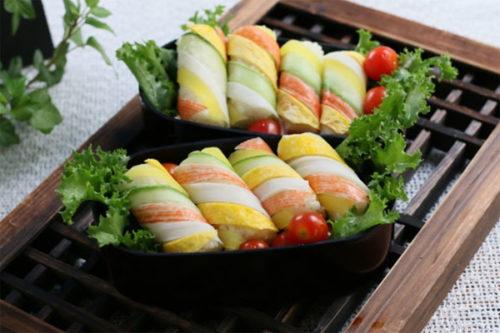 Món sushi cơm cuộn đẹp mắt hấp dẫn