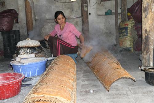 Cách làm bánh đa gấc