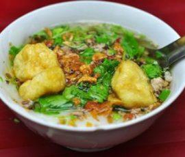 Bánh đúc nóng Hà Nội - món quà quê dân dã