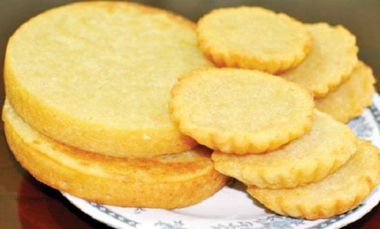 Bánh khoai lang tẩm dừa giòn thơm nức mũi