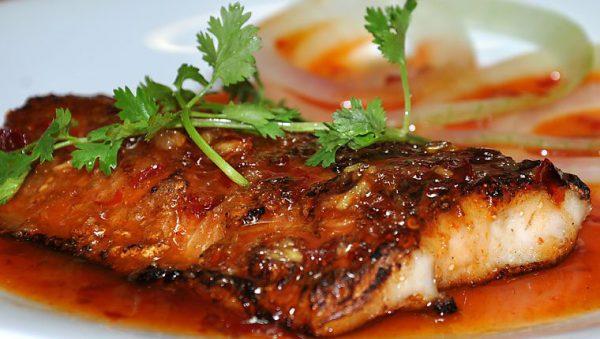 Món cá hồi nướng