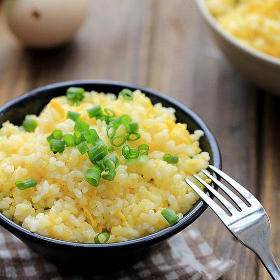 Món cơm rang trứng đơn giản