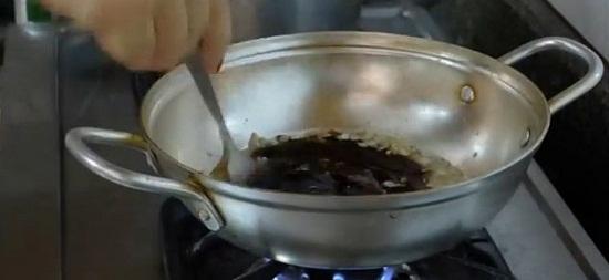Làm nước chấm ăn kèm