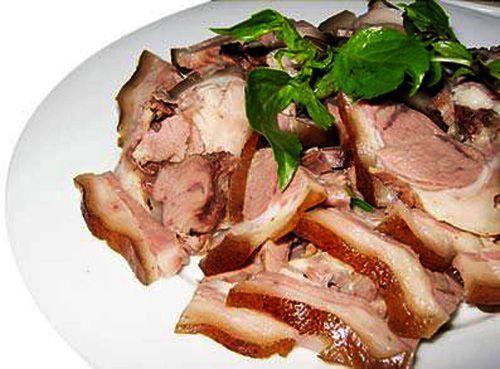 Thưởng thức món thịt lợn mán luộc